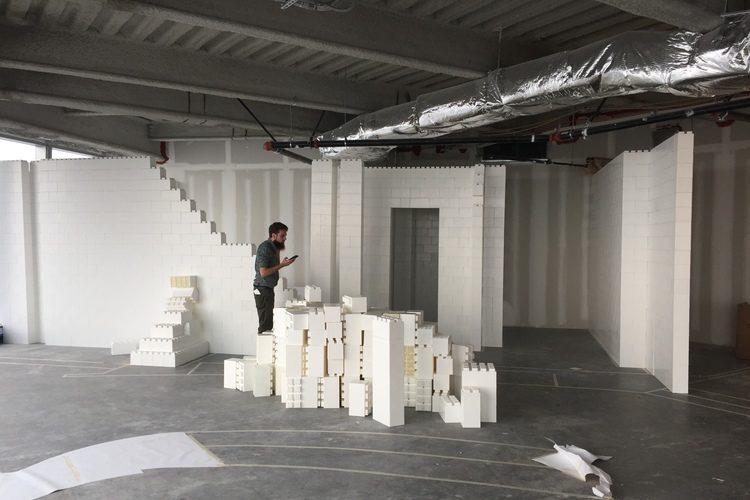 Architektonische Wandgestaltung: EverBlock® wird verwendet, um einen Grundriss zu überprüfen.