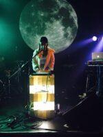 Schaffen Sie Spannung bei Veranstaltungen, indem Sie DJ-Kabinen, Band-Bühnen und mehr beleuchten