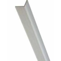 Verwenden Sie Winkeleisen um EverBlock Raumteiler und freistehende Wände mit benachbarten festen Wänden zu sichern