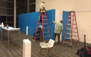 Auf EverBlock aufgebrachte Grafiken: Grafiken auf dem Google Fiber-Stand bei Urban Land Institute.