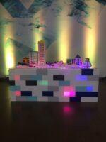 Erstellen Sie spektakuläre Exponate, die mit LED-Lichtern beleuchtet werden können