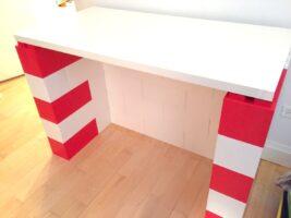 Bunte modulare Schreibtische: Bauen Sie farbenfrohe moderne Schreibtische und Möbel aller Art.