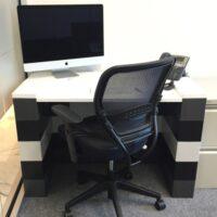 Modulare Bürotische: Erstellen Sie fantastische Wohn- und Büromöbel, die bei Bedarf erweitert und geändert werden können