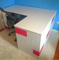L-förmige Schreibtische: Bauen Sie L-förmige Schreibtische, Schreibtische mit Retouren und andere modulare Home-Office-Möbel