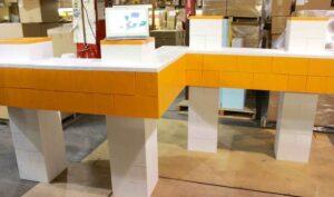 Bewegbare und modulare Displays: EverBlock® ist auf Paletten und in Kartons transportierbar und vielseitig, tragbar und modular.