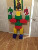Lebensgroße Actionfiguren: Verwenden Sie EverBlock, um lebensgroße Actionfiguren, Burgen, Raumschiffe oder fast alles zu bauen