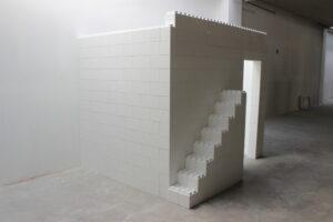 Bauen Sie unglaubliche Requisiten und Bühnen-Sets sowie einzigartige Dekorationen und Objekte aller Art.